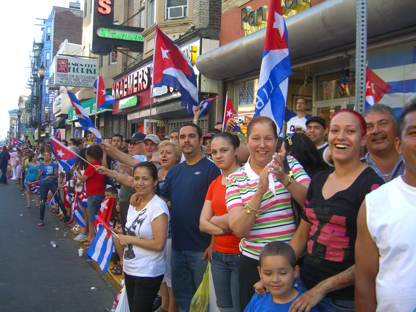 Cuban Immigrants In The United States Migrationpolicy Org