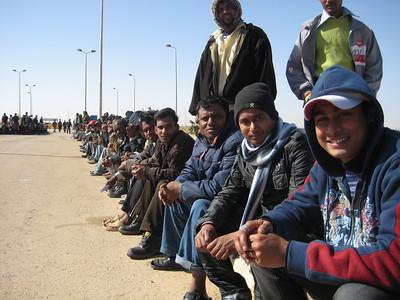 Bangladeshi migrants in Egypt wait to return home