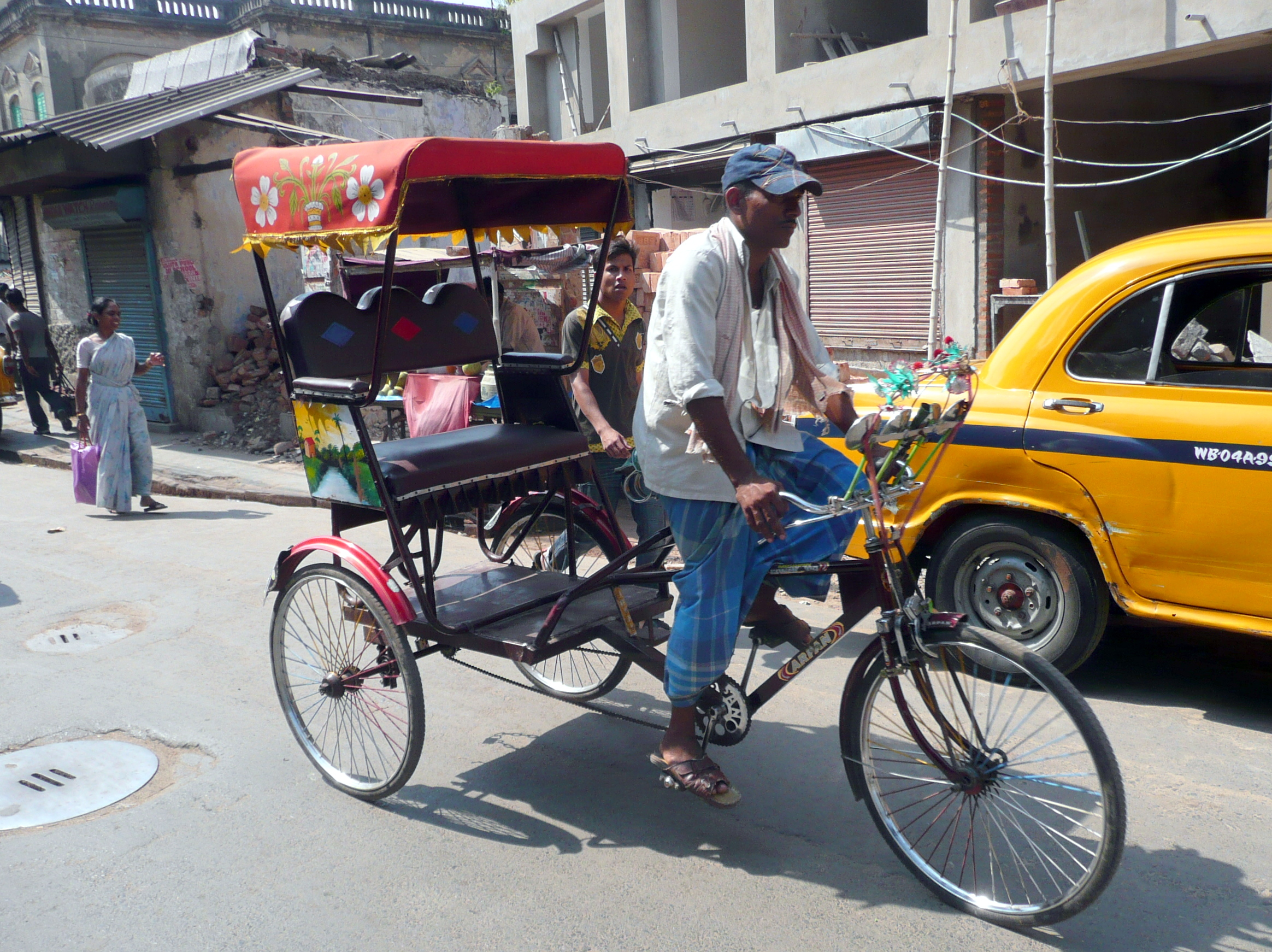 internal labor migration in raises integration challenges  rickshaw driver