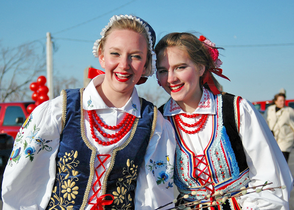 Young Polish-American women