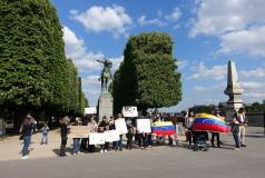 Anti-Maduro protestors gather in Paris in April 2017 at the statue of Simon Bolivar.