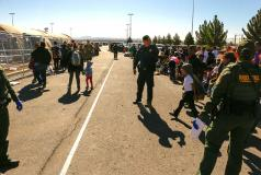 Border Patrol agents and child migrants